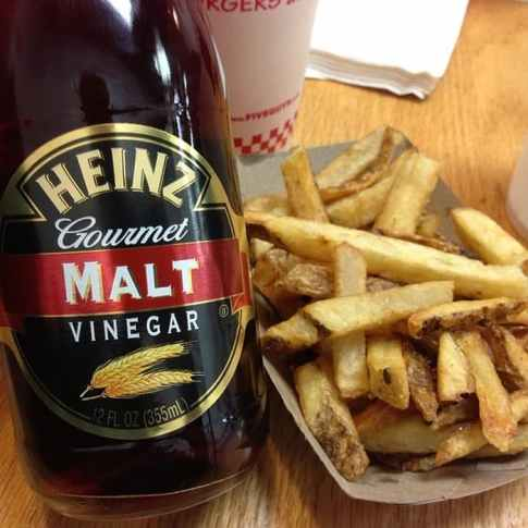 vinegar-malt-Heinz.with-fries
