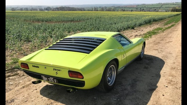 Lamborghini-Miura.on-dirt-road